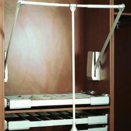 Pull Down Lift By Artia